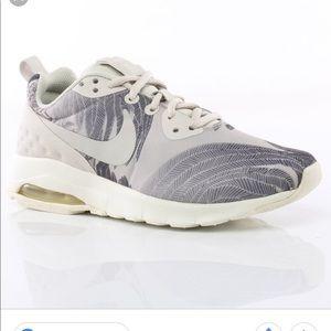 Nike air max motion print